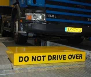 40_1316162924_do-not-drive-over-vlts.jpg